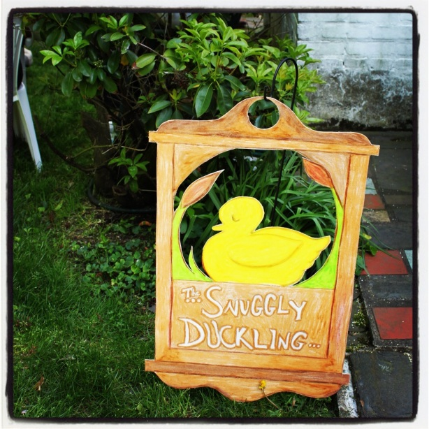 Tangled Party Snuggly Duckling Sign
