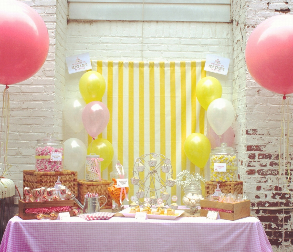 {My Parties} Carnival 1st Birthday