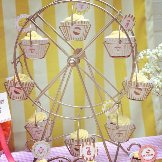 Ferris Wheel Cupcake Holder- Let Them Eat Sweets